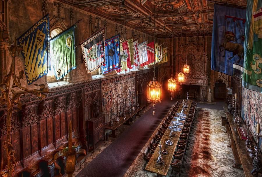 Hearst-Castle-dinning-area.jpg